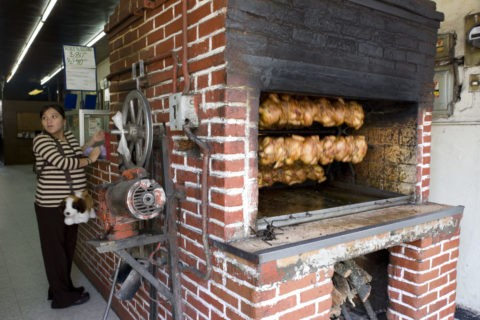 鶏の丸焼きの店