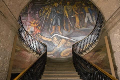 州政庁舎 壁画 世界遺産