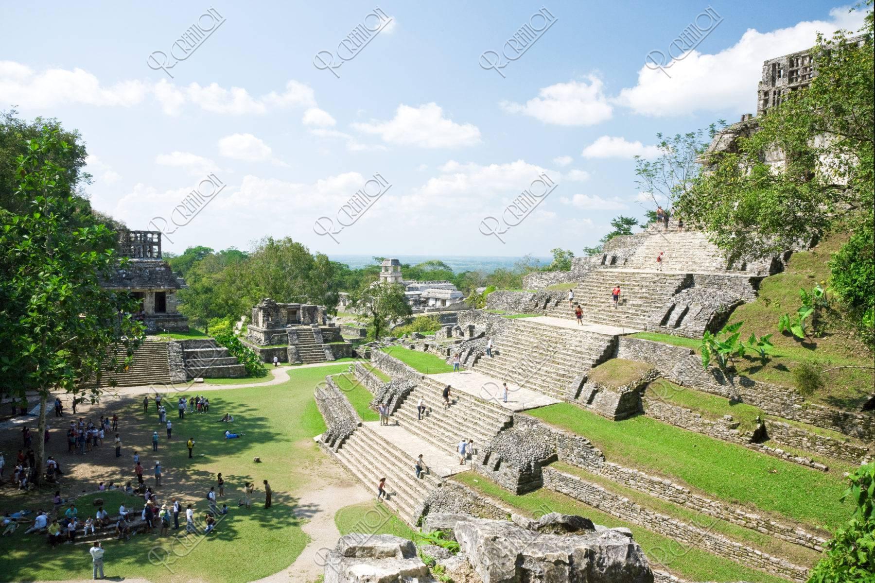 パレンケ遺跡 十字架の神殿と神殿群 世界遺産