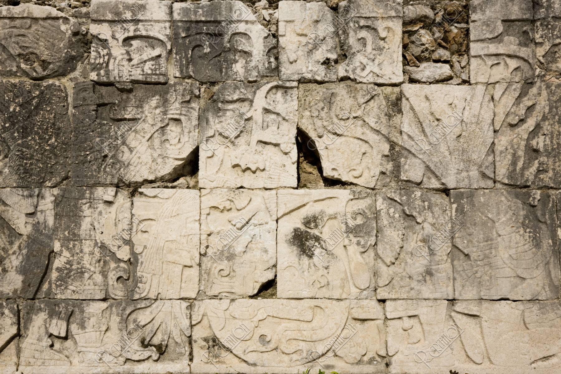 チチェンイッツァ遺跡 球戯場のレリーフ 世界遺産
