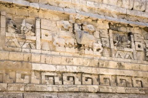 チチェンイッツァ遺跡 尼僧院 レリーフ 世界遺産
