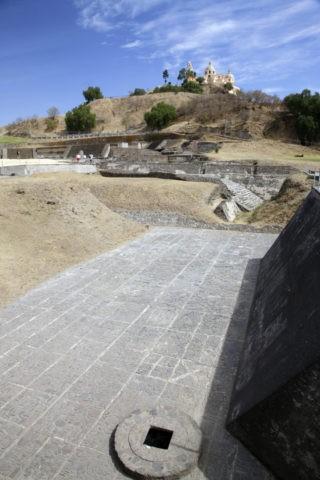 チョルーラ遺跡 トラチウアルテペトル神殿跡 世界遺産