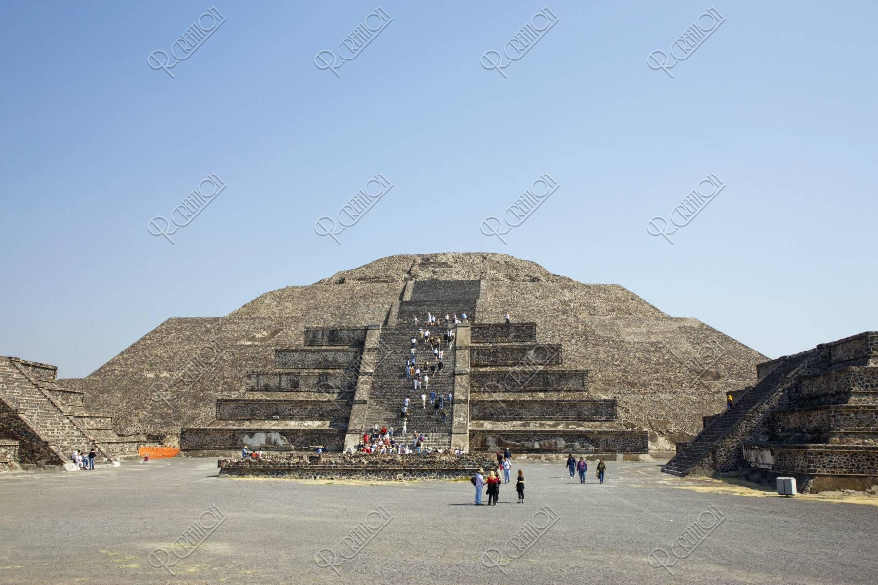 月のピラミッド 世界遺産