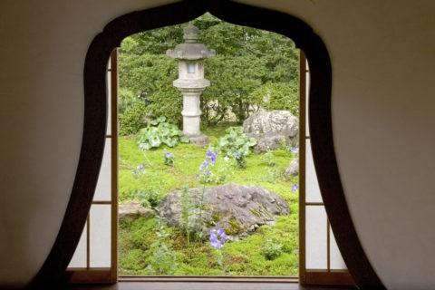 天得院庭園と華頭窓