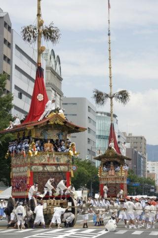 祇園祭巡行 鶏鉾 月鉾