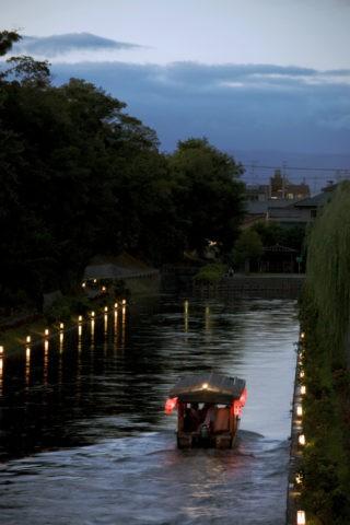 伏見 花灯籠と夜の十石舟