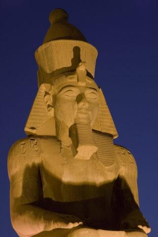 ルクソール神殿の夜景 世界遺産