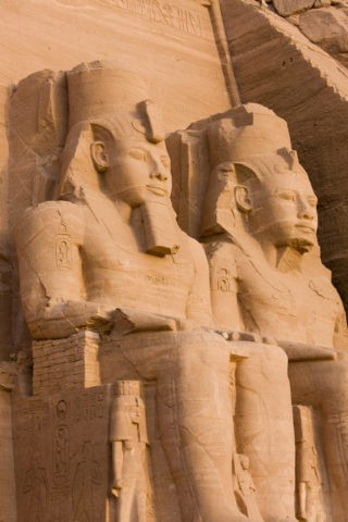 アブシンベル大神殿 ラムセス2世像 世界遺産