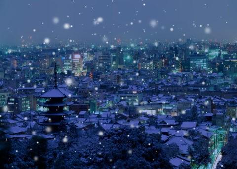雪の京都の街 夜景
