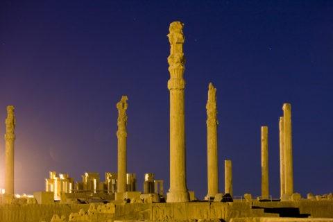 ペルセポリス遺跡 音と光のショー 世界遺産