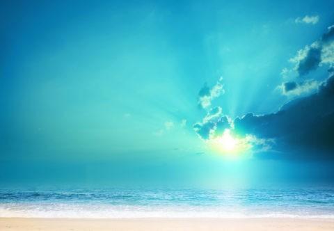 青い朝日とビーチ CG