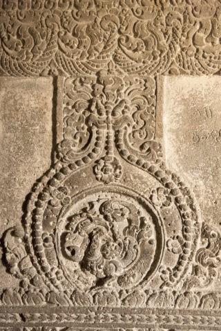 エローラ石窟 カイラーサナータ寺院 柱のレリーフ 世界遺産
