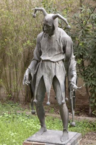 道化師 リゴレットの像