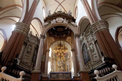 サンペトロニオ聖堂 祭壇
