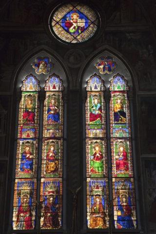 サンペトロニオ聖堂 ステンドグラス