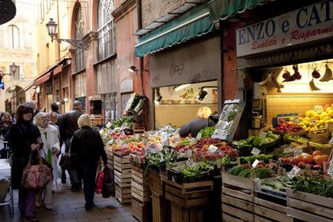 旧市街の食料品店