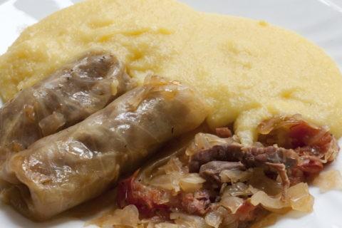 ルーマニア料理 サルマーレとママリガ