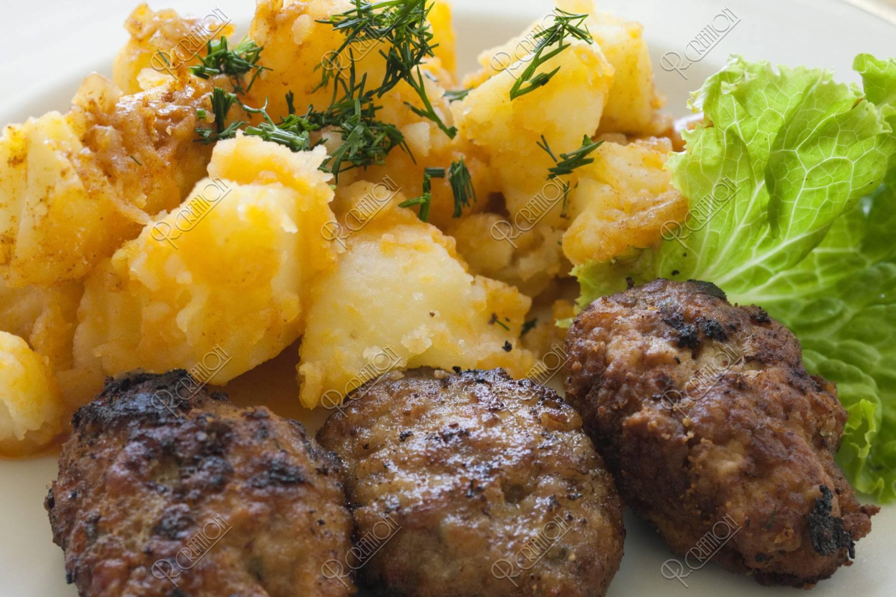 ルーマニア料理 ミティティ