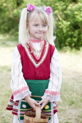 バラ祭りの子供