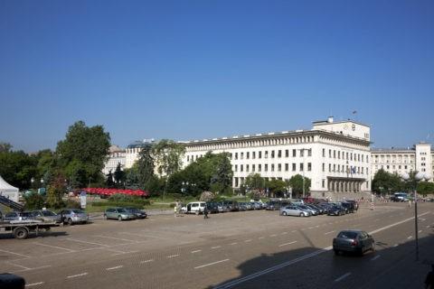市民庭園とスヴェタ・ネデリャ広場