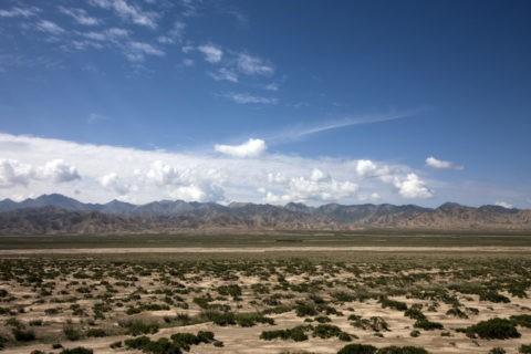 崑崙山脈と青い空