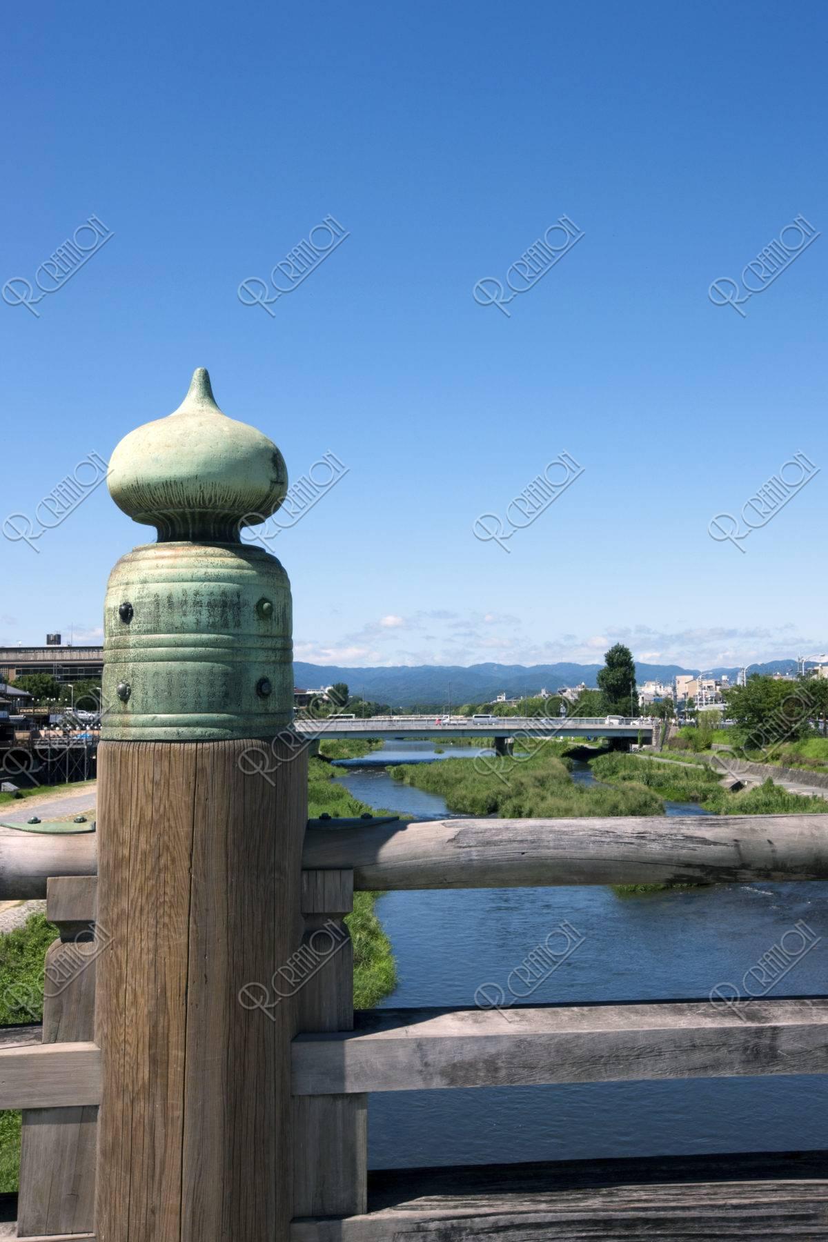 三条大橋 擬宝珠と鴨川