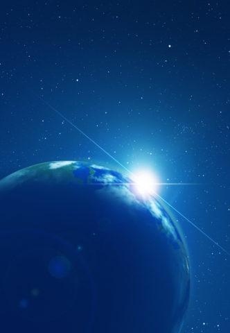朝日が昇る地球