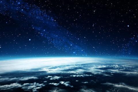 星雲と地球