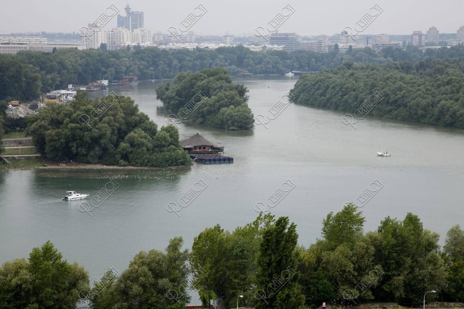 サヴァ川とドナウ川の合流点
