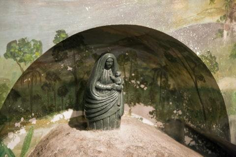ロスアンヘレス大聖堂 黒いマリア像