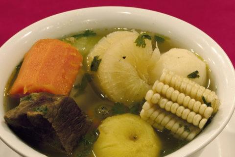 オジャデカルネ (ビーフ入り野菜スープ)