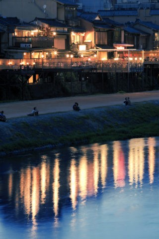 鴨川と納涼床
