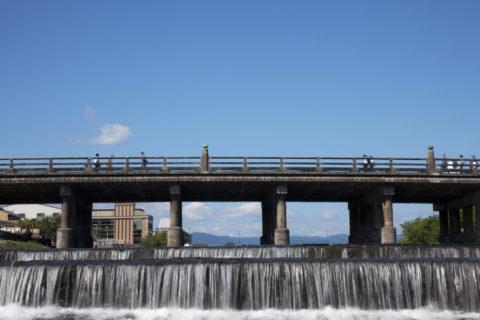 鴨川と三条大橋