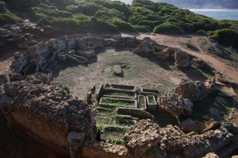 ティパサの遺跡 墓地 世界遺産