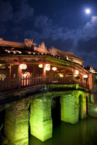 日本橋(来遠橋)のランタン祭りと満月