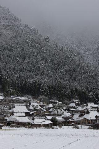 美山町茅葺き民家の雪景色