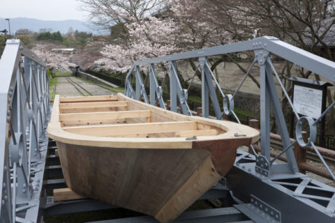 蹴上インクラインの三十石船と桜