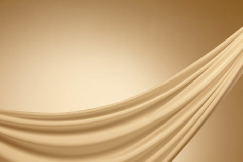 アンバーの布のドレープ