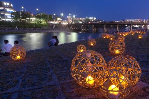 京の七夕 風鈴灯と三条大橋 鴨川会場