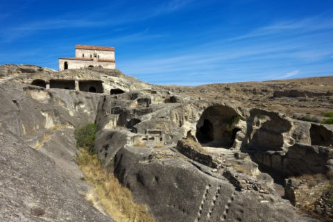 ウプリスツィ遺跡 教会と洞窟