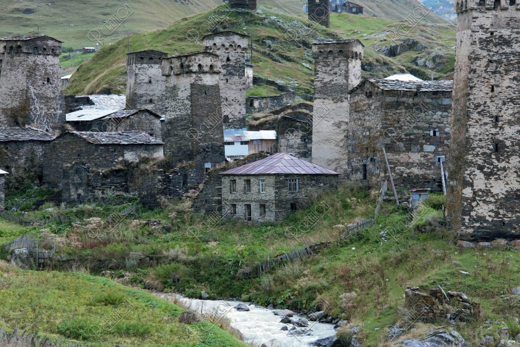 ウシュグリ村 防御塔 w