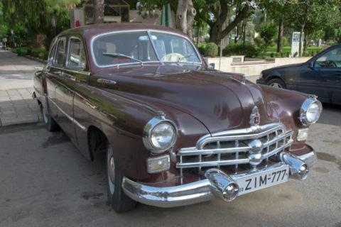 アンティークカー 1953年製 GAZ