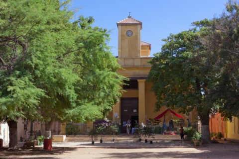 ゴレ島 聖シャルドポロメ教会 w