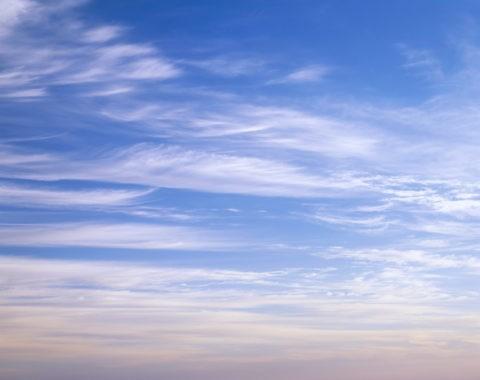 空 雲 すじ雲 朝焼け 秋