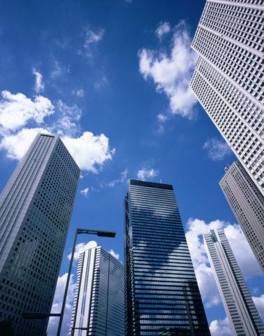 空と超高層ビル