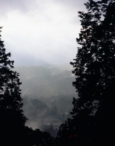 朝霧と高野山大塔 世界遺産