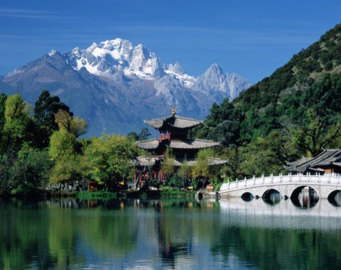 玉泉公園と玉龍雪山 世界遺産