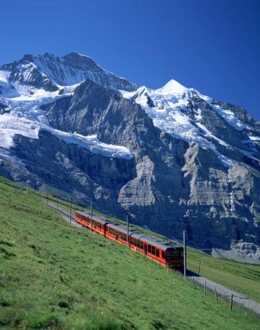 登山電車とヨッホ