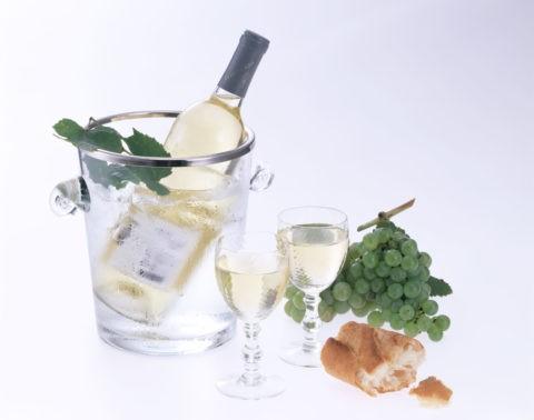 白ワインとワインクーラー