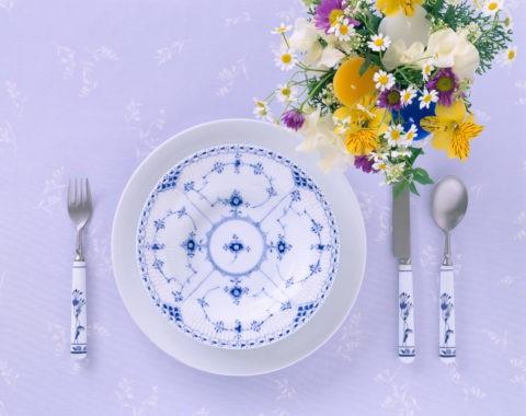 ディナーイメージ 青い柄のお皿